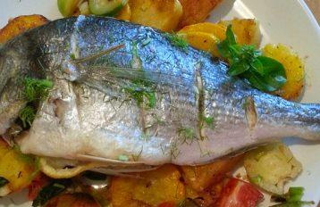 Pesce in cartoccio al profumo di basilico genovese